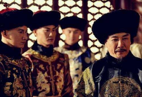 Hoàng tử được Khang Hi yêu quý nhất, tay nắm binh quyền nhưng tự bỏ lỡ cơ hội lên ngôi hoàng đế - Ảnh 1