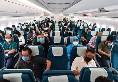 Bỏ quy định giãn cách hành khách trên các phương tiện rời Đà Nẵng - Ảnh 1