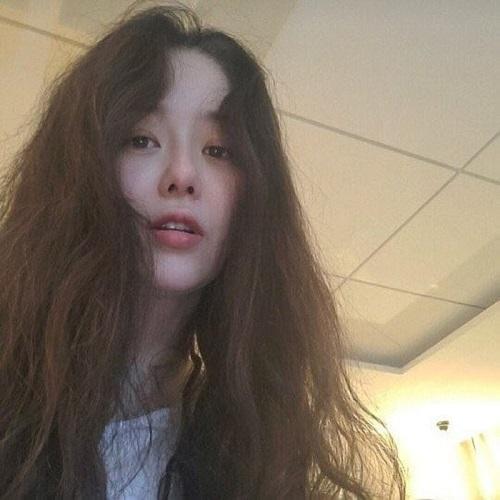 Xuýt xoa với nhan sắc thanh tú như thiếu nữ 18 của nữ diễn viên bị gia tộc Samsung ruồng bỏ - Ảnh 3