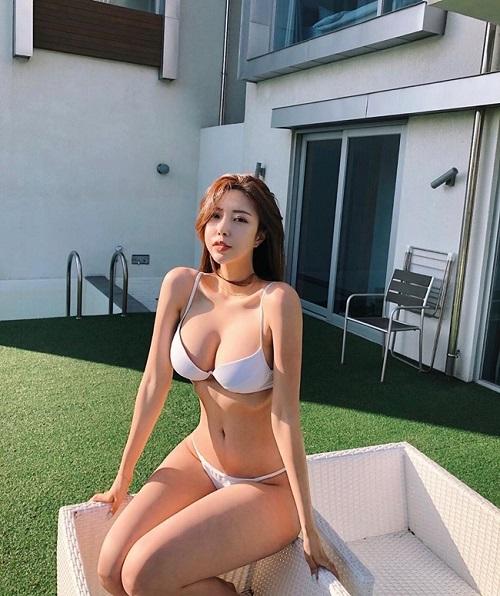Những hot girl xứ Hàn dù hở bạo hay kín đáo cũng đều gây bão nhờ thân hình vệ nữ trời ban - Ảnh 1
