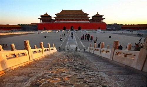 Những công trình kiến trúc vĩ đại nhất thế giới - Ảnh 7
