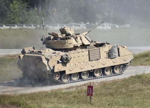 Tình hình chiến sự Syria mới nhất ngày 22/9: Mỹ điều xe chiến đấu Bradley đối phó với Nga - Ảnh 1
