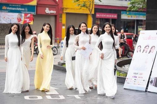 So nhan sắc trên mạng và thực tế của dàn thí sinh vòng sơ khảo Hoa hậu Việt Nam 2020 - Ảnh 1
