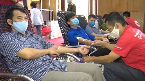 Thanh Hóa: Hơn 1.300 người dân tham gia hiến máu nhân đạo - Ảnh 1