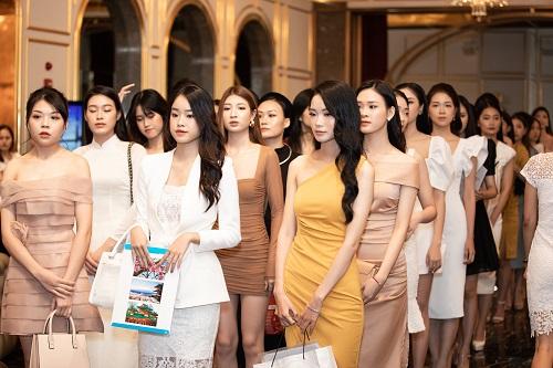 """Ngắm nhan sắc """"hoa nhường nguyệt thẹn"""" của các thí sinh tham dự vòng sơ khảo phía Bắc Hoa hậu Việt Nam 2020 - Ảnh 1"""
