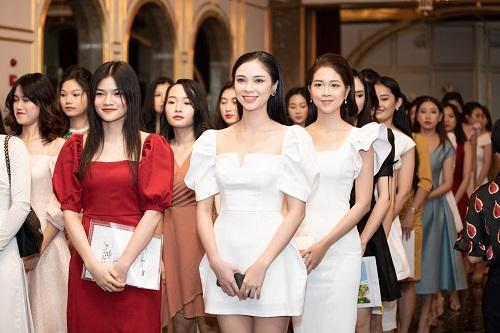 """Ngắm nhan sắc """"hoa nhường nguyệt thẹn"""" của các thí sinh tham dự vòng sơ khảo phía Bắc Hoa hậu Việt Nam 2020 - Ảnh 2"""