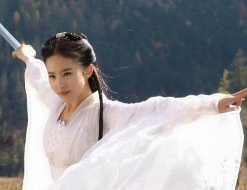 Những minh tinh của điện ảnh Hoa ngữ nhưng không phải người Trung Quốc, người bỏ cả tỷ USD mà không thể quay về - Ảnh 2