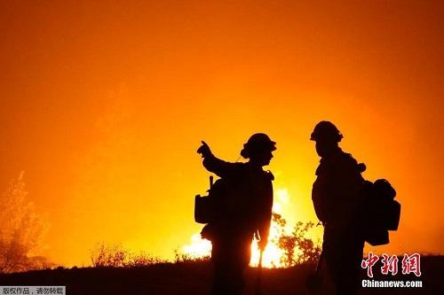 Chùm ảnh: Thảm họa cháy rừng ở California, diện tích rừng bị phá hủy bằng 10 thành phố New York - Ảnh 6