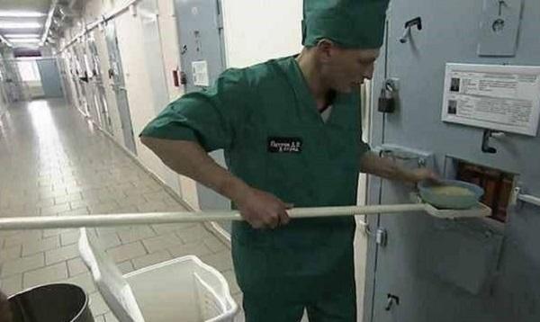 Nhà tù Cá heo đen: Nơi giam giữ những kẻ tàn bạo nhất - Ảnh 5