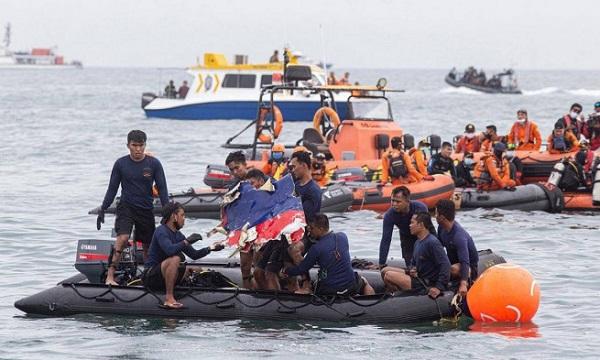 Vụ máy bay Indonesia gặp nạn: 3 lý do nào có thể là nguyên nhân? - Ảnh 1