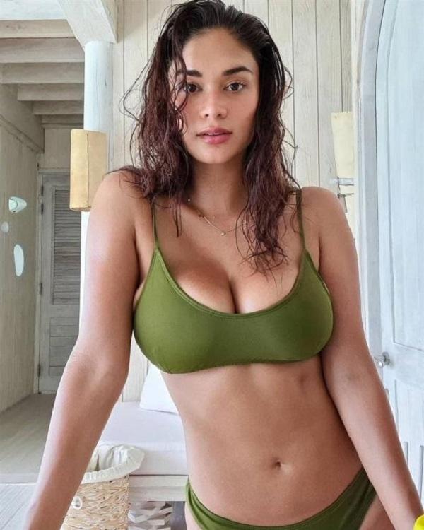 Hoa hậu Philippines đốt cháy mạng xã hội với ảnh diện bikini khoe vòng 1 căng tràn bốc lửa - Ảnh 2