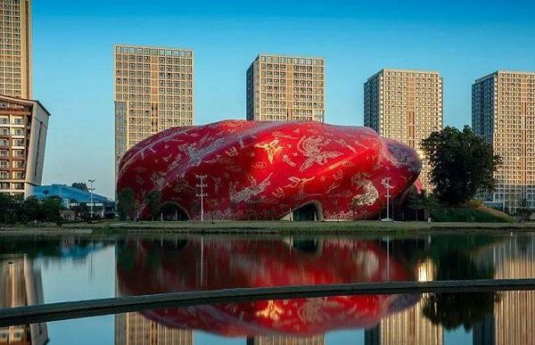 Tòa nhà xấu xí nhất Trung Quốc: Rộng hơn 30.000m2, ý tưởng nhân văn nhưng lại gây nhức mắt - Ảnh 1