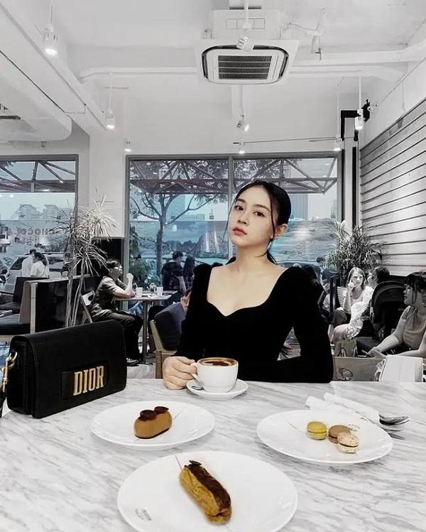 """Vẻ đẹp sang chảnh, nóng bỏng của thí sinh Hoa hậu Việt Nam vừa mới gia nhập """"vũ trụ mỹ nhân"""" đài VTV - Ảnh 4"""