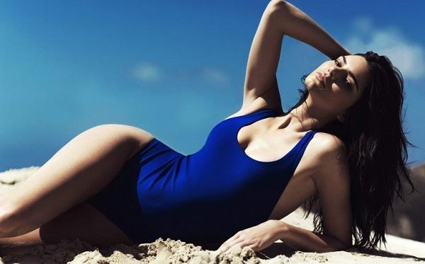 """Ngắm thân hình """"cực phẩm"""" của siêu mẫu đắt giá nhất thế giới Kendall Jenner - Ảnh 5"""