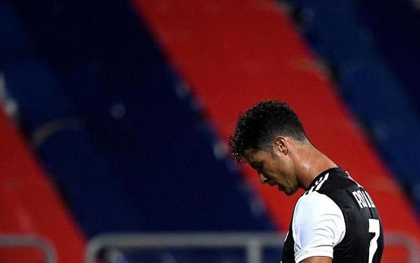 Cristiano Ronaldo bị cảnh sát điều tra sau chuyến nghỉ dưỡng cùng cô bạn gái nóng bỏng - Ảnh 3