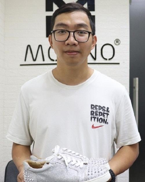 Từ bỏ cơ hội du học, chàng trai mở spa cho những đôi giày hiệu - Ảnh 1