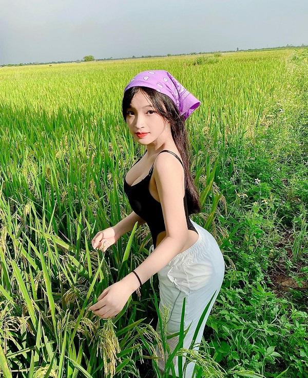 Ngộp thở với vóc dáng siêu nóng bỏng của cô nàng bán sữa đậu ở Đà Lạt khiến cộng đồng mạng điên đảo - Ảnh 2