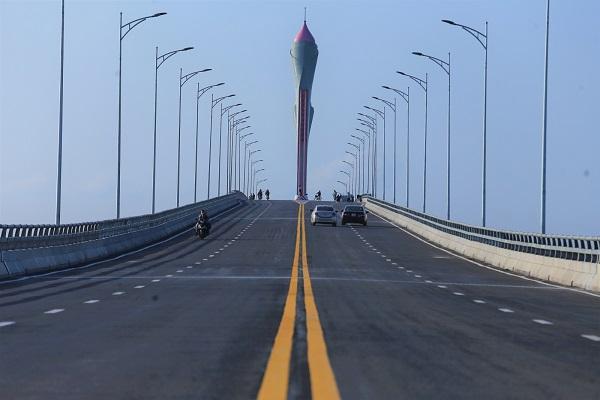 Cầu 950 tỷ đồng dài nhất miền Trung thông xe dịp Tết - Ảnh 3