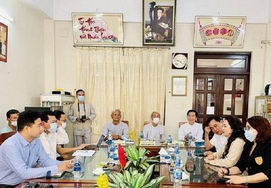 """""""Lương y"""" Võ Hoàng Yên nhiều lần bị phạt vì hành nghề không giấy phép - Ảnh 2"""
