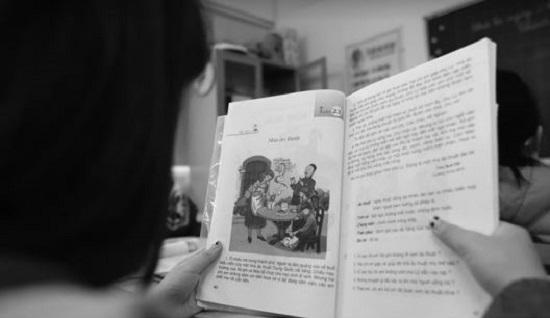 Nhà xuất bản giáo dục Việt Nam: Có công bằng trong giới thiệu hai bộ SGK mới tới các cơ sở giáo dục? - Ảnh 1