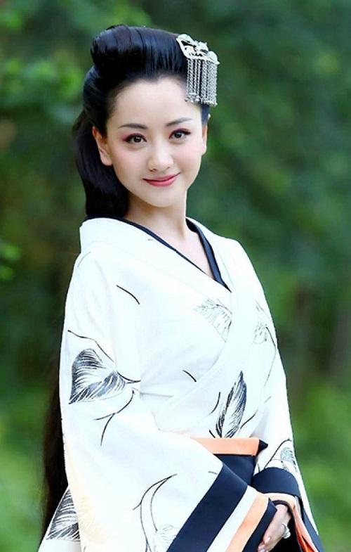 """5 sao nữ sở hữu nhan sắc trời ban nhưng tên tuổi vẫn luôn """"chỉm nghìm"""" trong làng giải trí Hoa Ngữ - Ảnh 1"""