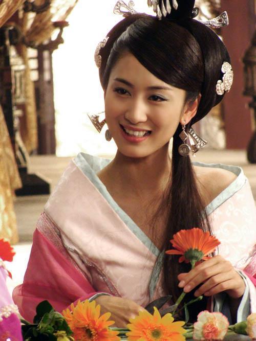"""5 sao nữ sở hữu nhan sắc trời ban nhưng tên tuổi vẫn luôn """"chỉm nghìm"""" trong làng giải trí Hoa Ngữ - Ảnh 4"""