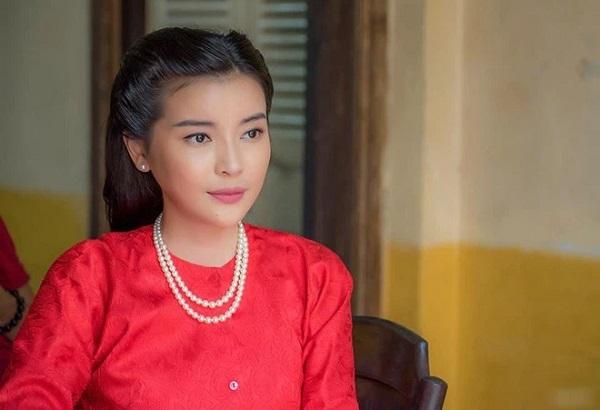 """""""Ác nữ màn ảnh"""" Việt diện bikini khoe trọn đường cong mềm mại, nóng bỏng - Ảnh 2"""