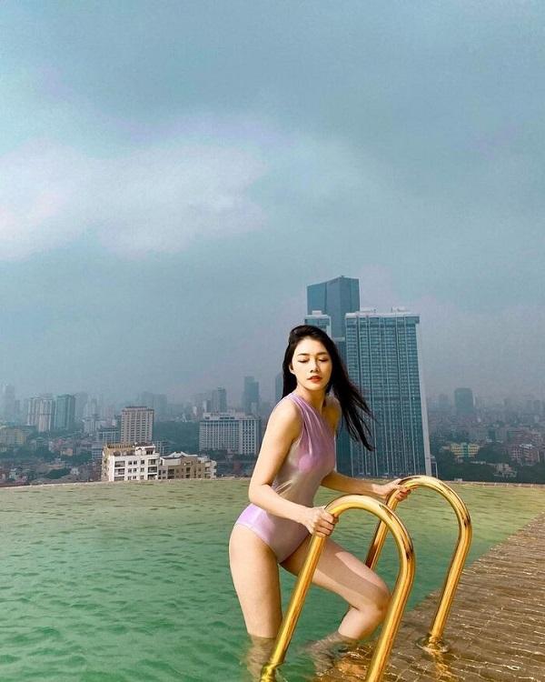 """Nữ tiếp viên xinh đẹp của Vietnam Airlines """"đốt mắt"""" người nhìn bằng loạt ảnh khoe vòng 1 căng đầy - Ảnh 8"""