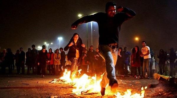 Iran: Hơn 1.000 người thương vong trong lễ hội lửa truyền thống - Ảnh 2