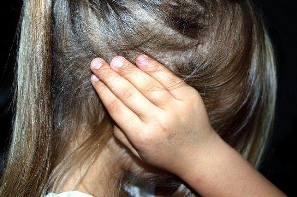 Nữ sinh 15 tuổi nhẫn tâm sát hại mẹ ruột giấu xác trong tủ đông - Ảnh 1
