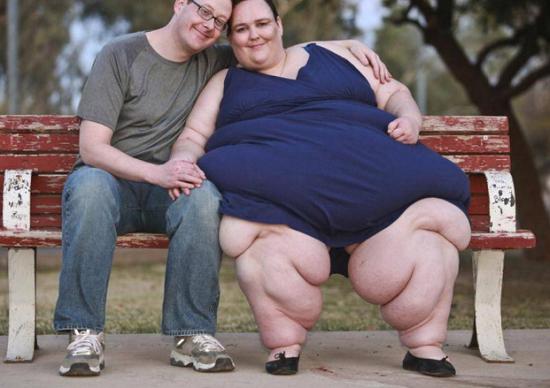 Chồng ủng hộ vợ tăng cân bạt mạng để trở thành người béo nhất thế giới - Ảnh 5