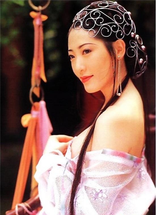 Phan Kim Liên ấn tượng nhất màn ảnh: Mất sự nghiệp do phải cắt bỏ bộ ngực vì ung thư - Ảnh 2