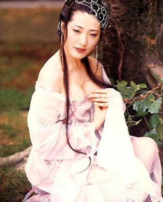 Phan Kim Liên ấn tượng nhất màn ảnh: Mất sự nghiệp do phải cắt bỏ bộ ngực vì ung thư - Ảnh 1