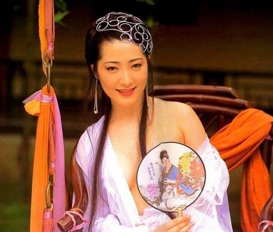 Phan Kim Liên ấn tượng nhất màn ảnh: Mất sự nghiệp do phải cắt bỏ bộ ngực vì ung thư - Ảnh 3