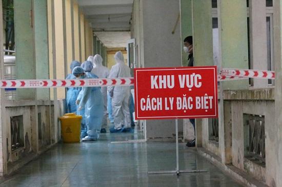 Việt Nam ghi nhận thêm 2 ca mắc mới COVID-19 - Ảnh 1