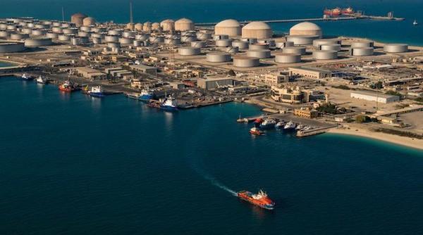 Cảng dầu lớn nhất thế giới bị tấn công tên lửa - Ảnh 1