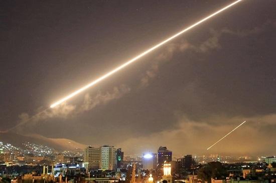 Tình hình chiến sự Syria mới nhất ngày 22/4: Phòng không Syria lại đẩy lùi tên lửa Israel - Ảnh 1