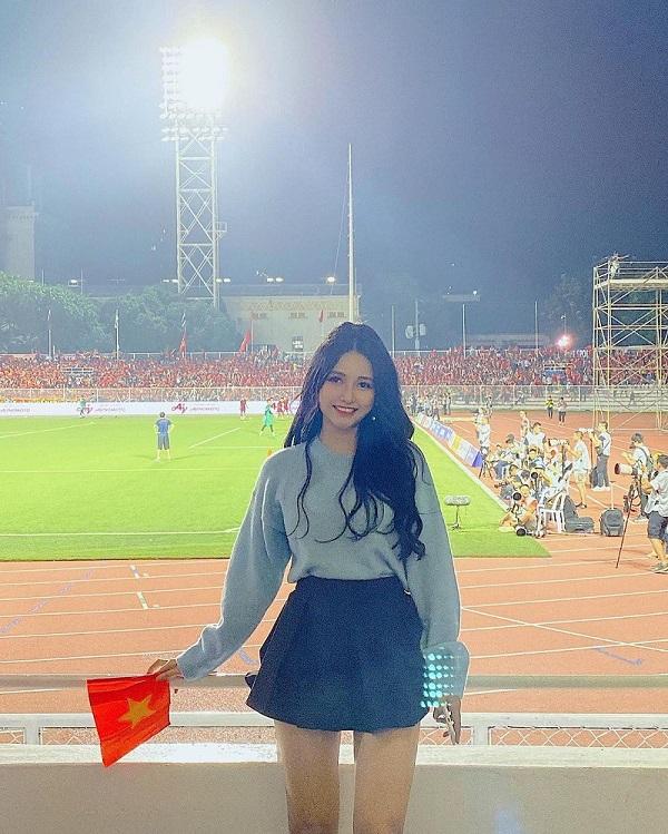 Nữ DJ Sài thành xinh đẹp khoe vóc dáng nóng bỏng, cong hơn cả đường đua F1 - Ảnh 5
