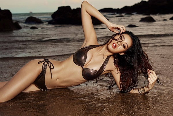 Hoa hậu Khánh Vân tung ảnh diện bikini đọ sức nóng với ánh mặt trời ngay trước thềm Miss Universe - Ảnh 11