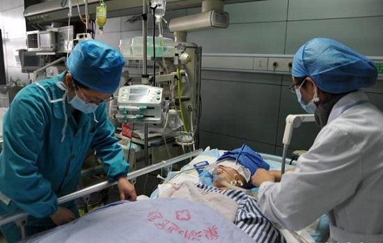 Nam sinh 19 tuổi ung thư thận qua đời, bác sĩ chỉ ra nguyên nhân khiến phụ huynh tủi hổ - Ảnh 1