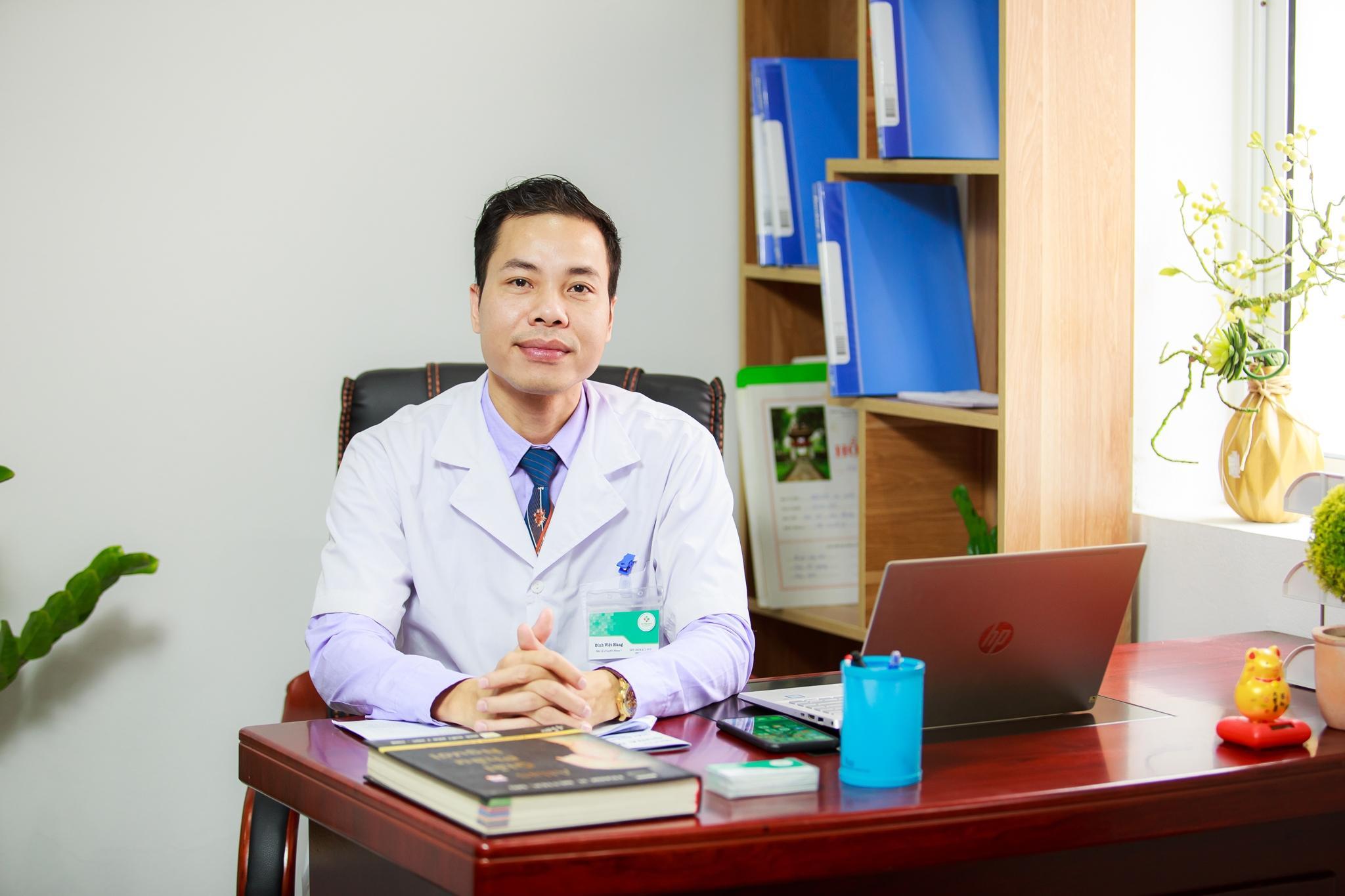 Bác sĩ chuyên khoa 1 Đinh Việt Hùng mở ra kỳ tích y khoa từ phương pháp mới trong điều trị bệnh cơ xương khớp - Ảnh 1