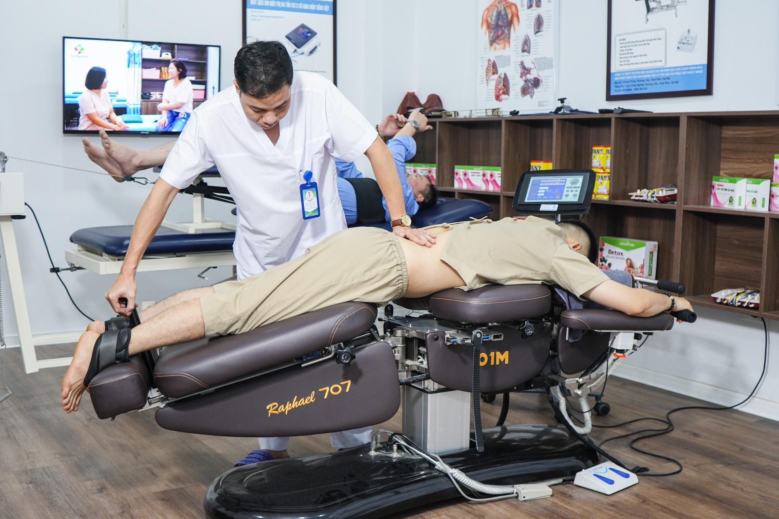 Bác sĩ chuyên khoa 1 Đinh Việt Hùng mở ra kỳ tích y khoa từ phương pháp mới trong điều trị bệnh cơ xương khớp - Ảnh 3