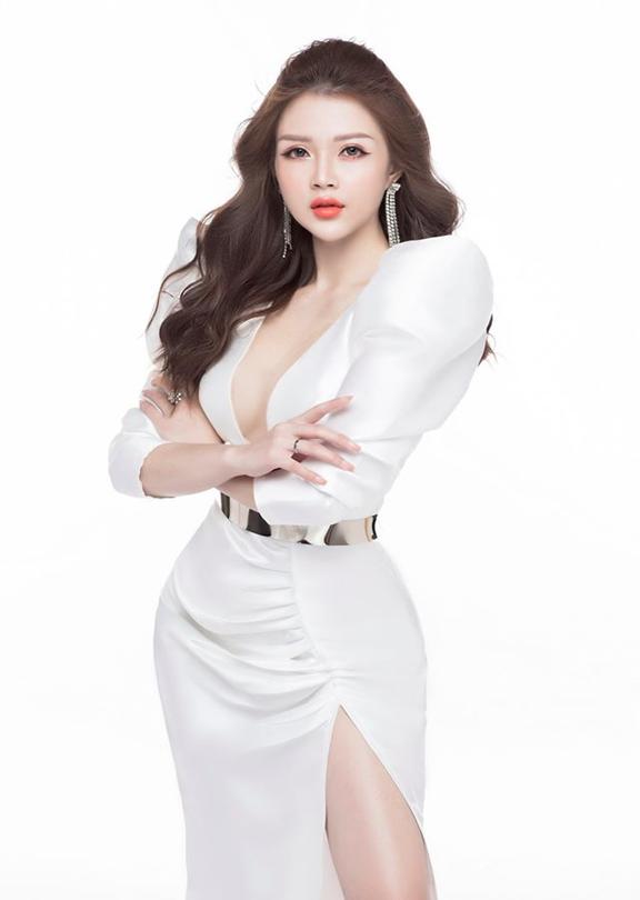 Gặp gỡ nữ doanh nhân 9x xinh đẹp Bùi Quỳnh Anh khởi nghiệp từ hai bàn tay trắng - Ảnh 2