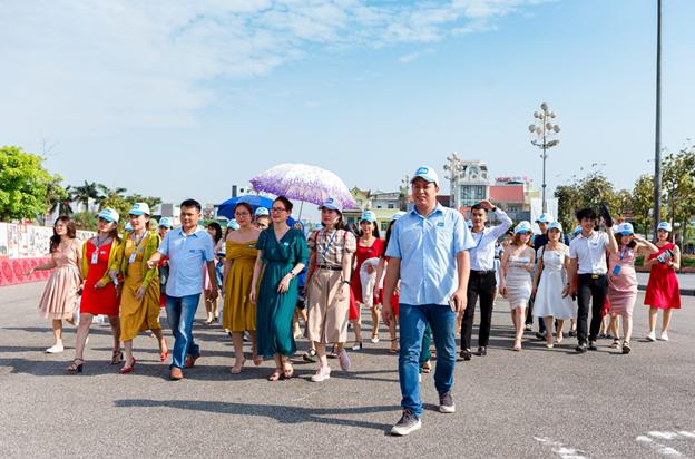 Gala Vì Bạn Xứng Đáng tại thành phố Vinh, Nghệ An - Ảnh 2