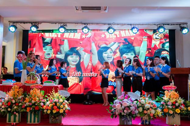 Gala Vì Bạn Xứng Đáng tại thành phố Vinh, Nghệ An - Ảnh 6