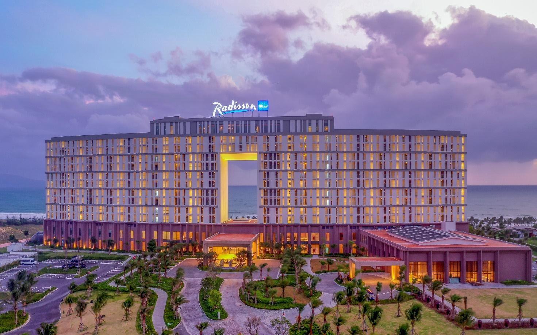 Movenpick Resort Cam Ranh và Radisson Blu Resort Cam Ranh chính thức được công nhận 5 sao - Ảnh 2