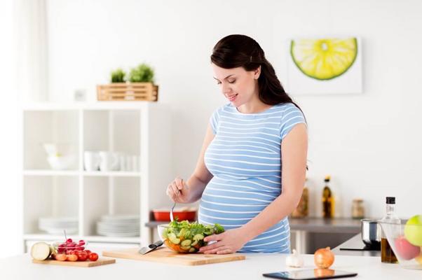 Vì sao phụ nữ mang thai dễ bị nám da, sạm da - Ảnh 4
