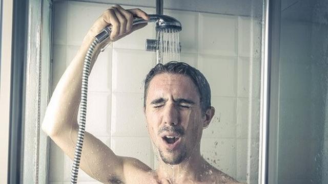 Mách bạn 6 bí quyết cải thiện làn da khô hiệu quả cho nam giới - Ảnh 3