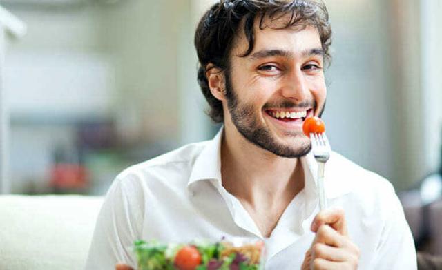 Mách bạn 6 bí quyết cải thiện làn da khô hiệu quả cho nam giới - Ảnh 5