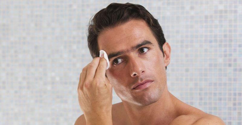 Mách bạn 6 sai lầm tai hại khi tẩy tế bào chết ở nam giới - Ảnh 2